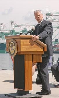 John McKay, Generalstaatsanwalt a.D.