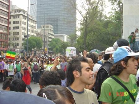 http://stopthedrugwar.com/files/mexicocitymarch.jpg